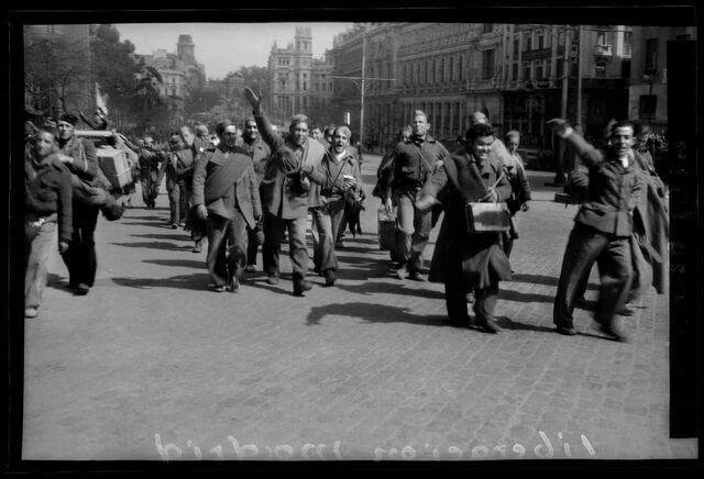 Les tropes nacionals entren a Madrid