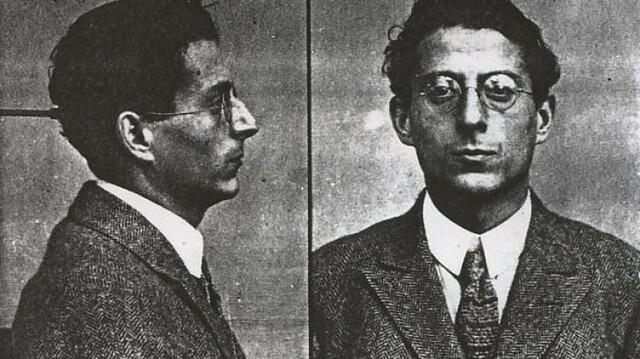 Andreu Nin (líder del P.O.U.M) es assassinat pels agents de la policia soviètica.