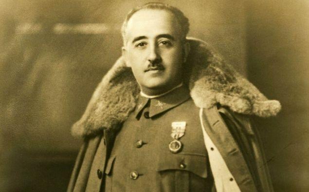 El govern de Franco va ser reconegut oficialment per França i Gran Bretanya i a causa d'això, després Azaña va renunciar al càrrec de president de la República.