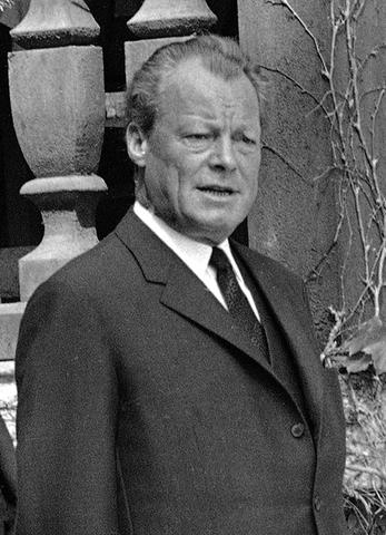 Willy Brandt parte l'esilio negli Stati Uniti d'America