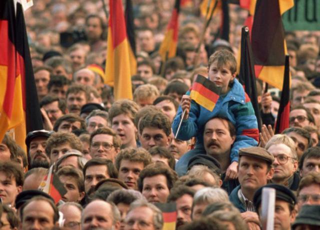 Protesta di Colonia, vengono richieste riforme democratiche.