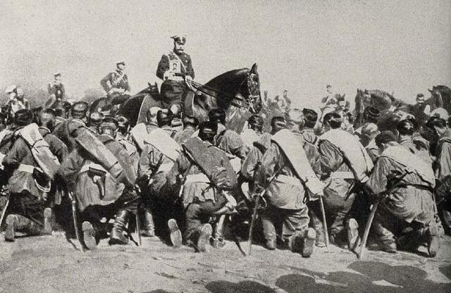 Czar Nicholas II takes sole control of military operations
