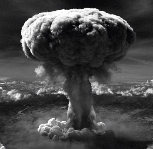 Prima bomba nucleare italiana fatta esplodere nel deserto libico