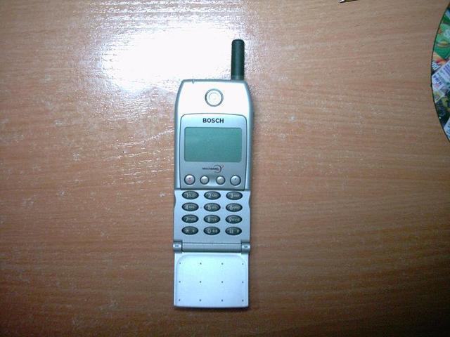 El primer telefono de casa.