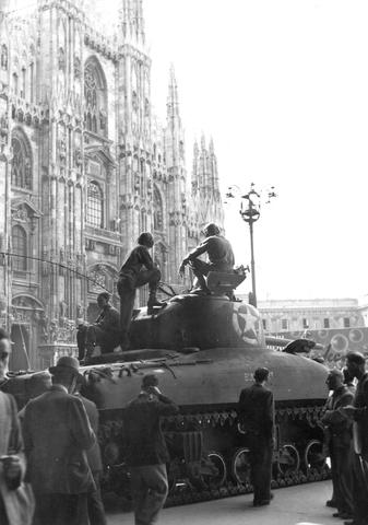 Le truppe italiane entrano in Croazia