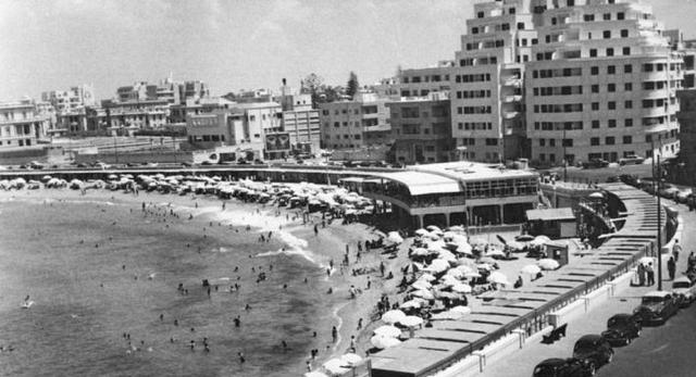 Primo supermercato ad Alessandria d'Egitto, inizio simbolico della Rinascenza Araba.