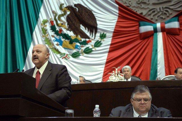 Sin educación básica 30 millones de mexicanos