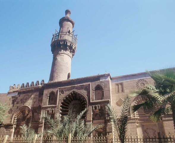 La mezquita de Al-Aqmar. (El Cairo).