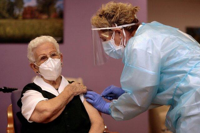 Primera persona vacunada en España por Covid-19