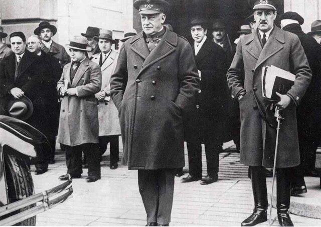 Dimisión de Primo de Rivera.