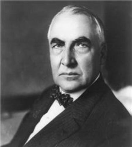 President Warren G. Harding dies in office