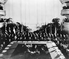 Representatives of the United States, Great Britain, France, Italy, and Japan attend the Washington Naval Conference.