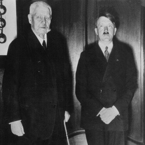 Adolf Hitler wurde von Reichspräsident Paul Hindenburg zum Reichskanzler ernannt.
