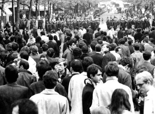 REVUELTA DE ESTUDIANTES EN MADRID