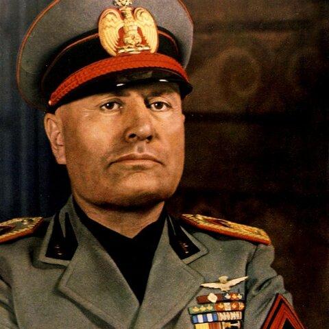 Mussolini accede al poder