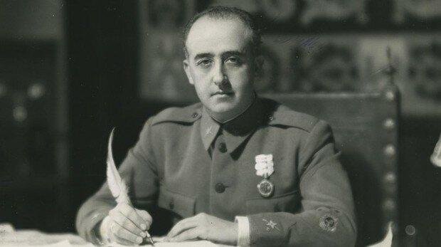 Franco dirige fuerzas al Alcázar de Toledo