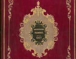 La constitución introdujo de forma sistemática los derechos del hombre