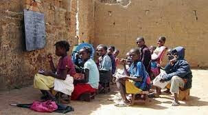 Limitado acceso a la educación - 2015