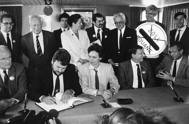 Es signa l'acord de Scheneg