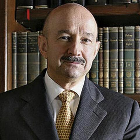 Bienvenido Carlos Salinas de Gortari.