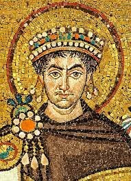 El emperador Justiniano I Promulgo el código que lleva su nombre y que es hasta la fecha fundamental