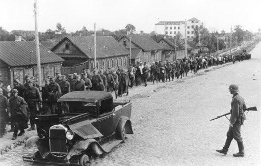 Alemania invade Rusia