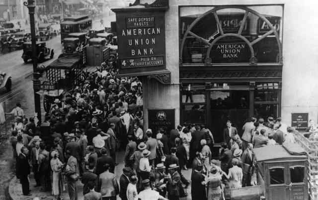 """Crisis de desregulación financiera proporciono un """"Crack Bursátil"""" en 1929"""