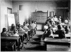 Institucionalización de la educación.