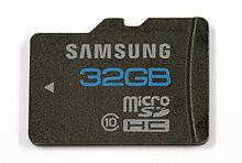 En 2005 Surgen las tarjetas microSD