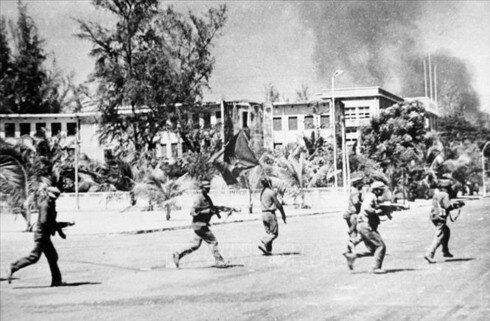 La entrada de los Jemeres Rojos a Phnom Penh (17/Abril/1975).