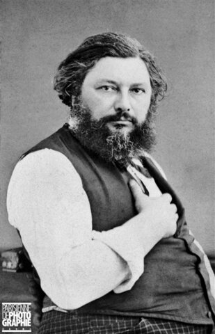 Gustave Courbet authorized to reestablish museums and open galleries in Paris