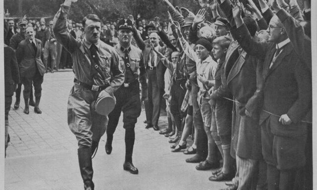 Hitler puja al poder