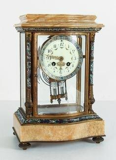 16. Reloj que proporciona la hora solar.