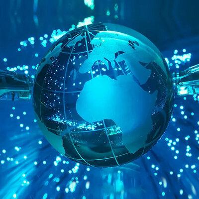 Historia de la internet por Daniel Tavarez y Adriano Belliard. timeline
