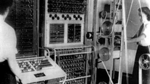 Se inventa la primera computadora electronica.