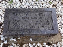 Nacimiento de Henry Nichols, primer hijo de Elena y Jaime White