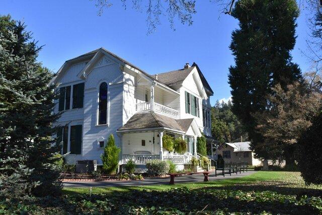 Elena White sufre una caída en su casa de Elmshaven, California