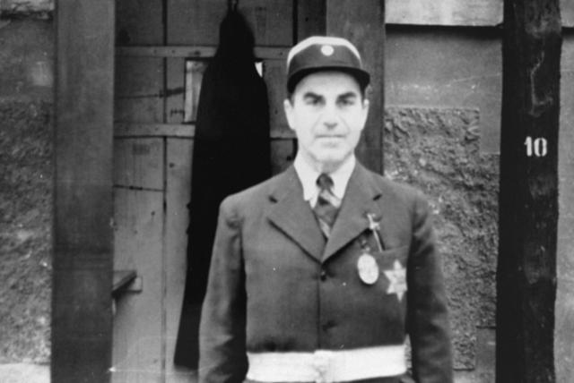 Una delegació de la Creu Roja visita Theresienstadt