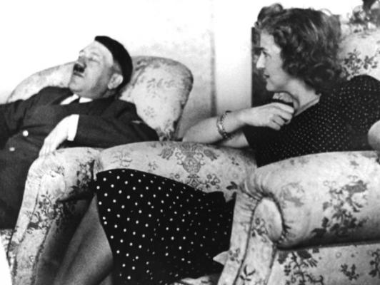 Hitler se suïcida al búnquer de Berlín