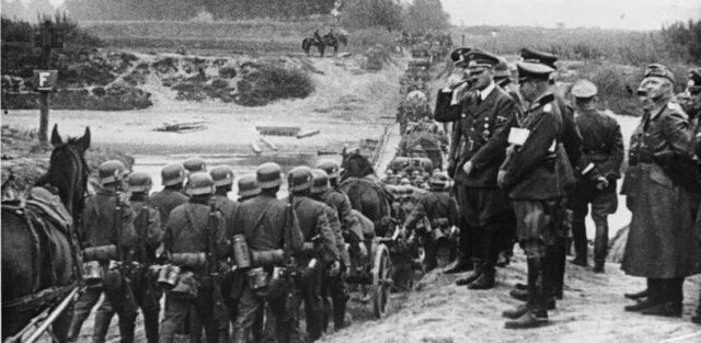 Alemania ocupa Polonia.