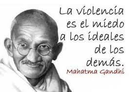 Inicio del movimiento violento de Gandhi en defensa de los derechos humanos en la India.