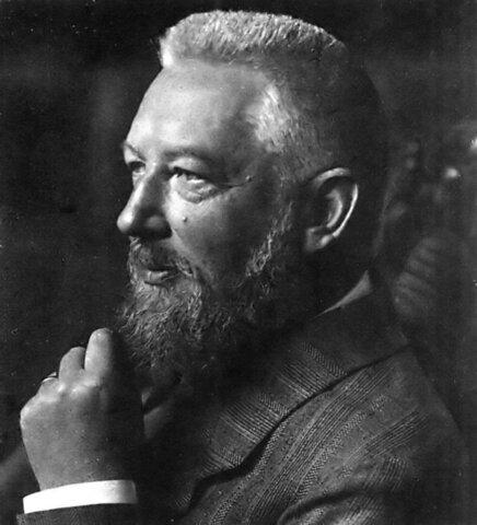Wilhelm Ostwald introduce el término mol