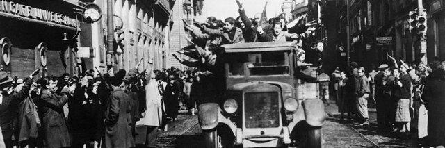Las tropas nacionales entran en Madrid sin resistencia.