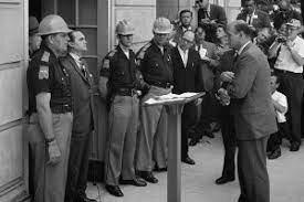 •George Wallace Blocks University of Alabama Entrance