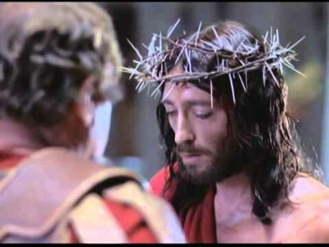 Gesù viene crocifisso