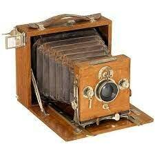 Aparición de la primera cámara