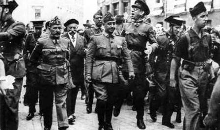 Organización en Salamanca la Junta de defensa Nacional.