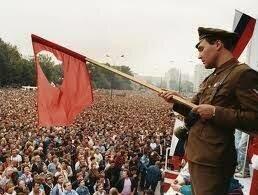 Soviet Union Collapses (1991)