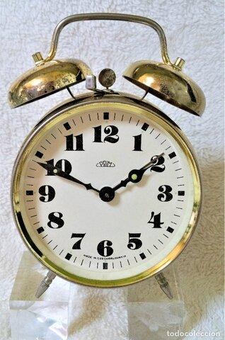 Reloj mecánico con campanas