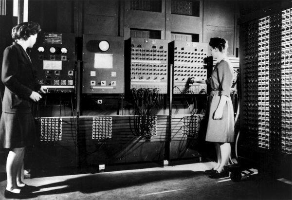Jonh Prespert Eckert y Jonh W.  Mauchley - ENIAC  COMPUTADO
